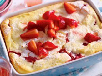 Quark Grieß Auflauf mit Erdbeeren
